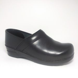 Dansko Cabrio Black Leather  Loafers Sz US8/ EU 38